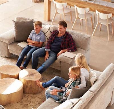 luxury-living-room-family.jpg