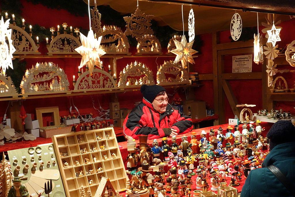 Augustusmarkt_2013_vendor_-_Dresden,_Germany_-_DSC07795